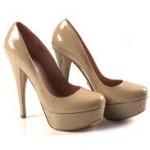 Обувь бежевого цвета: ищем преимущества
